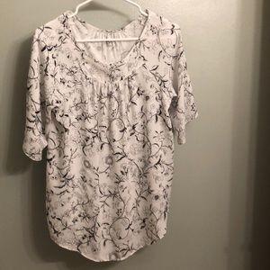 Black/white floral print shirt